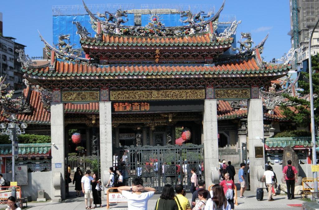 龍山寺の外観