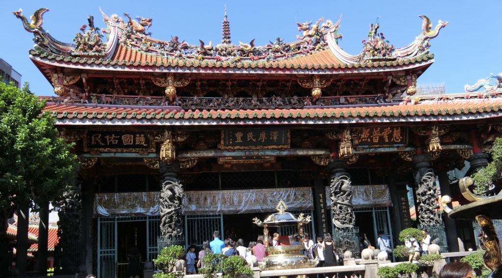 龍山寺の本堂?
