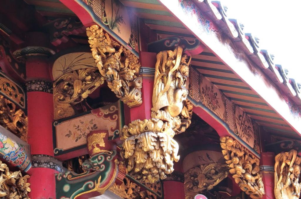 龍山寺の精巧な造り
