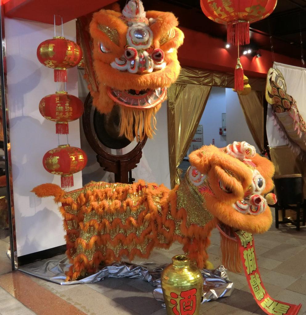 龍山寺地下街の中国式獅子舞