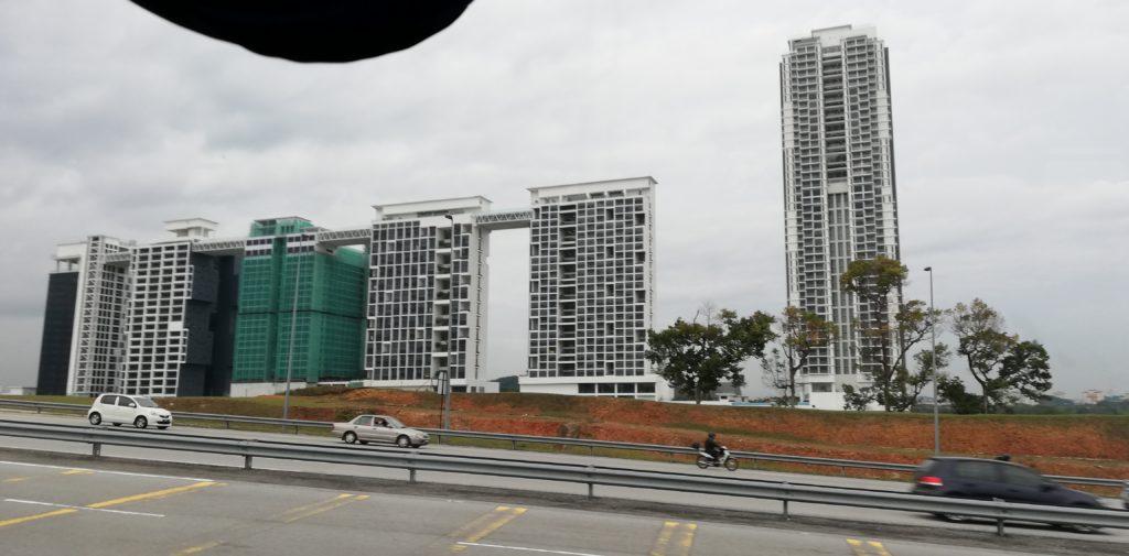 クアラルンプール郊外の高層建造物