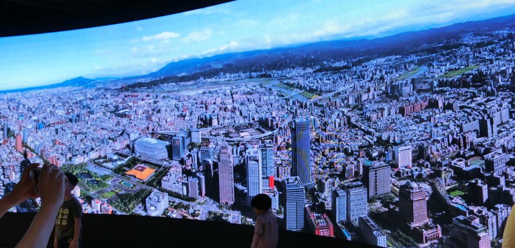 台北101の展望台再現モニター