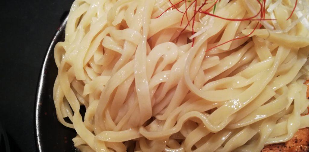 房総式和風カレーつけ麺の麺