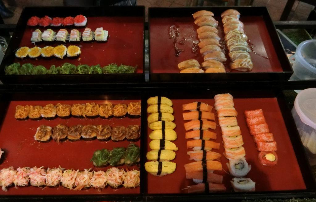 カオサン近くの寿司屋台の寿司