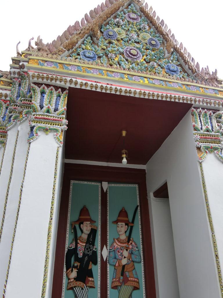 王宮(ワット・プラケオ)のドゥシットマハープラサート宮殿?の門?
