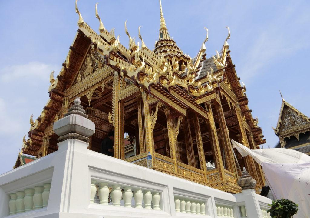 タイ王宮の博物館前辺りの建物