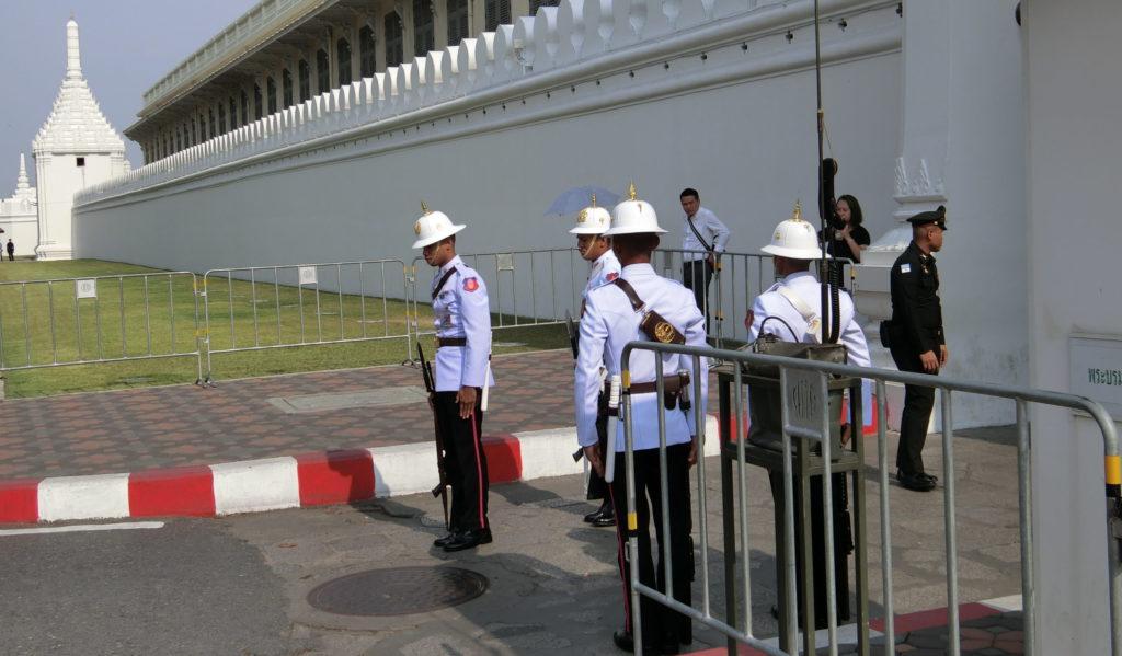 タイ王宮の衛兵交代式?