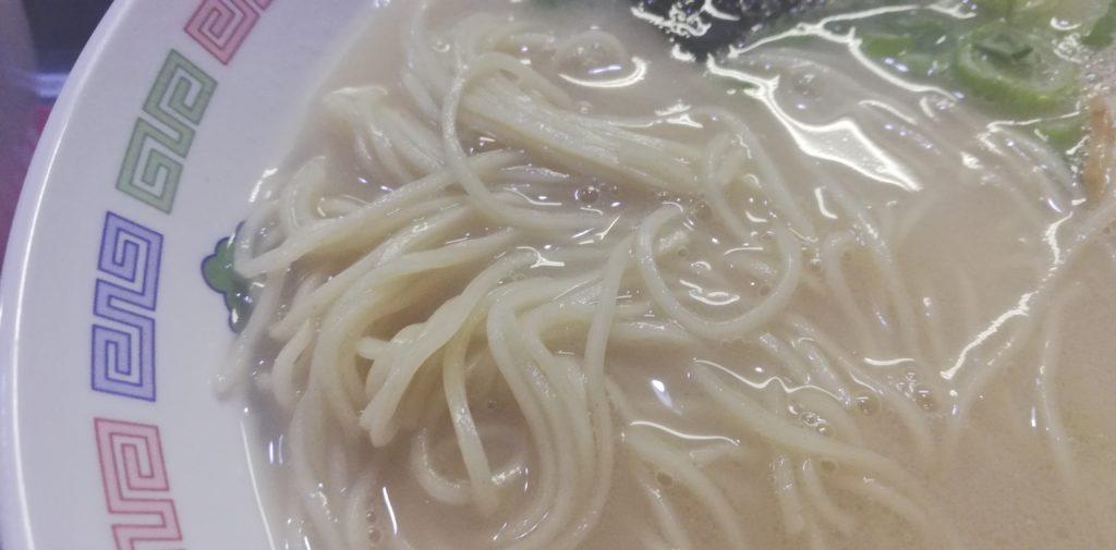 久留米とんこつ丸星ラーメンの麺