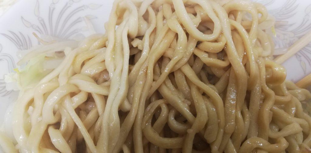 松信、汁なしの麺