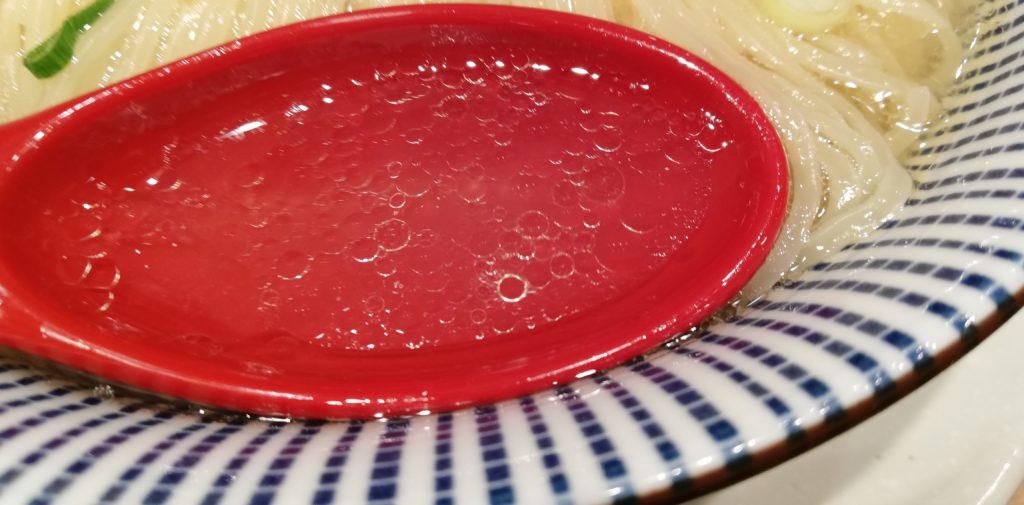 鯛塩そば 灯花 ペリエ千葉店、鯛塩ラーメンのスープ
