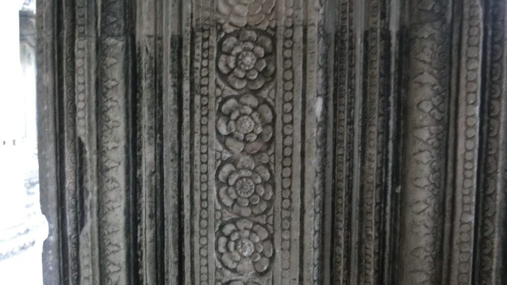 アンコールワットの第一回廊(西側)付近の彫刻(レリーフ)