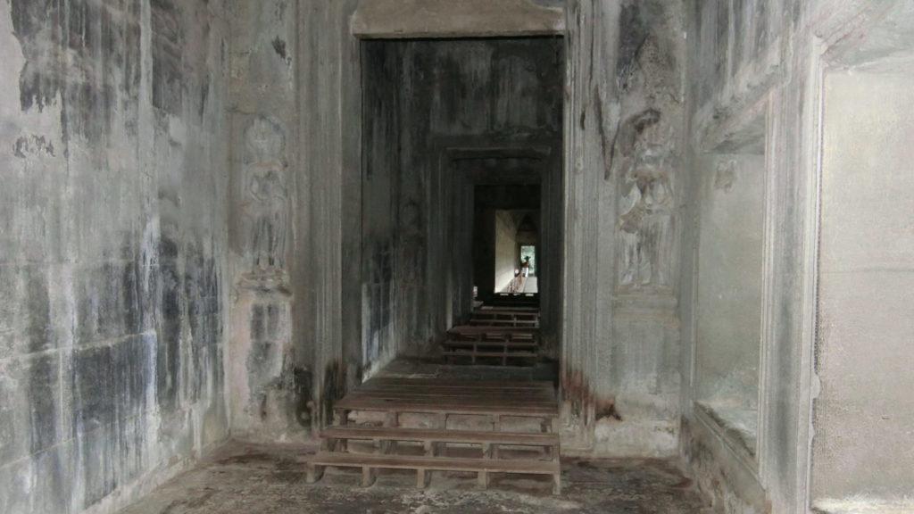 アンコールワットの第一回廊(西側)