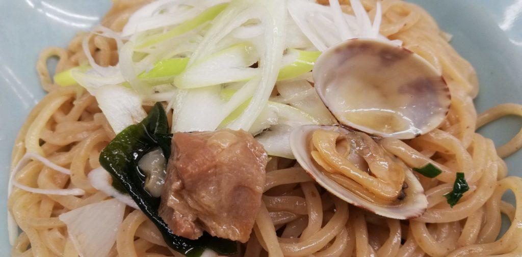 山岡家、海老薫る濃厚あさりつけ麺の具材(トッピング)