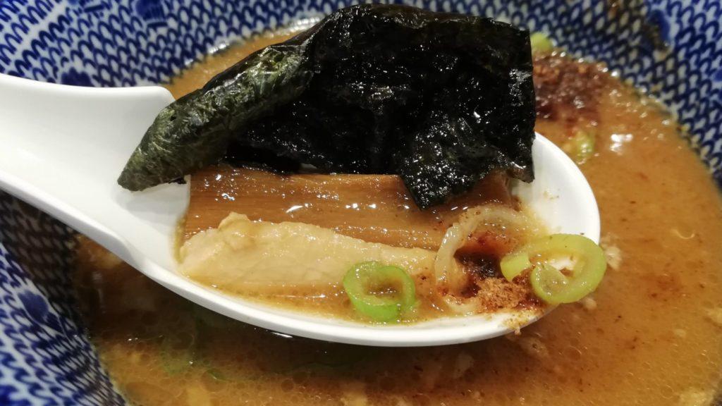 花月嵐「濃厚鶏白湯つけ麺 風雲児」のトッピング(具材)