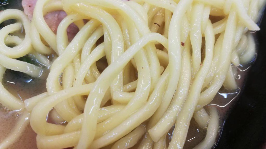 横浜ラーメン相馬家(稲毛区長沼)、家系ラーメンの麺